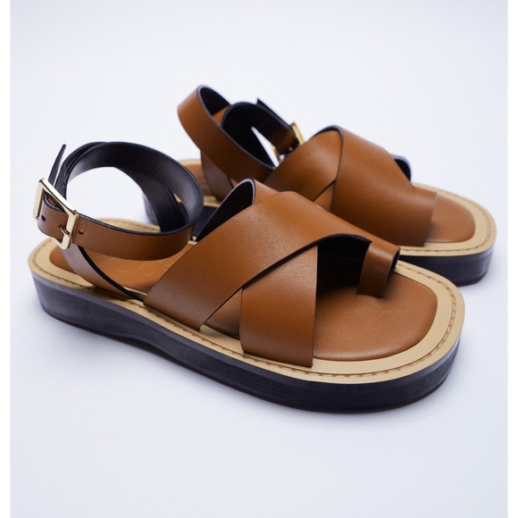 FLAT LEATHER SANDAL WITH BUCKLE —SOLD
